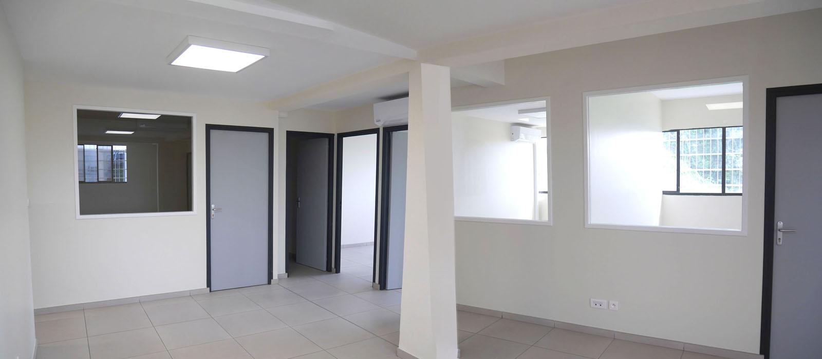 Helene-Quillet-renovation-bureaux-martinique-972-realisation-01.jpg